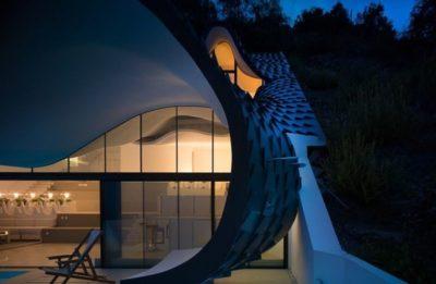 Baie porte vitrée entrée - Casa-del-Ancantilado par Gilbartolome Architects - Salobrena, Espagne