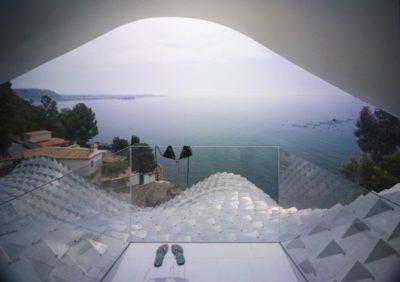 Balcon vitrée & vue panoramique Méditerranée - Casa-del-Ancantilado par Gilbartolome Architects - Salobrena, Espagne