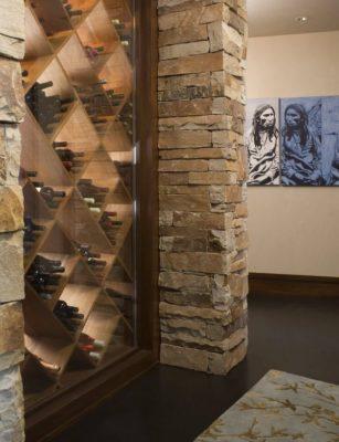 Cave à vins - Home-Aspen par KH Webb - Colorado, Etats-Unis