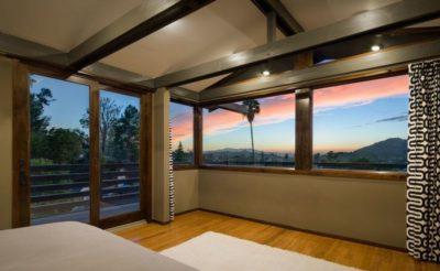 Chambre principale & baie vitrée - Lopez-House par Martin Fenlon - Los Angeles, USA