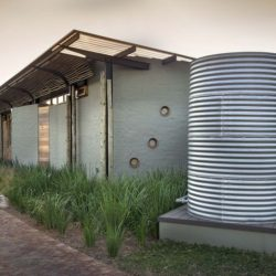 Citerne recuiel eau - House-Mouton par Earthworld Architects - Pretoria, Afrique du Sud