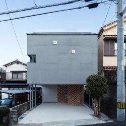 Entrée principale - Twin-House par Masahiro Miyake - Kochi, Japon