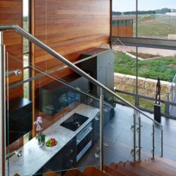 Escalier accès étage & cuisine - Glass-House par Jim Gewinner Texas, USA