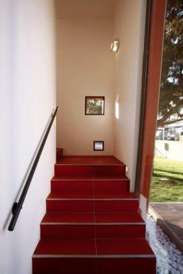 Escalier accès étage supérieur - Villa-Nesi par Archisbang Architects - Ivrea, Italie