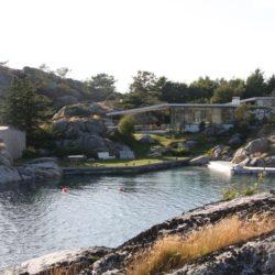 Façade panoramique jardin - Lyngholmen par Lund Hagem - Lillesand, Norvege