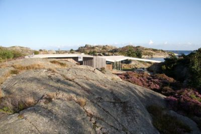 Façade rocheuse site - Lyngholmen par Lund Hagem - Lillesand, Norvege