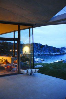 Façade terrasse & vue panoramique océan - Lyngholmen par Lund Hagem - Lillesand, Norvege