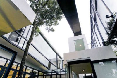 Façade vitrée étage - chokchai-4-house par Archimontage Design - Bangkok, Thailande