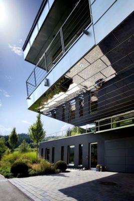Façde étage & terrasse - High-Tech-Modern-Home par Eppler Buhler, Allemagne