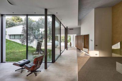 Grande baie vitrée entrée - Contemporary-Villa par A2CM - Ceschia Mentil - France