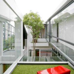Jardin intérieur second étage - chokchai-4-house par Archimontage Design - Bangkok, Thailande