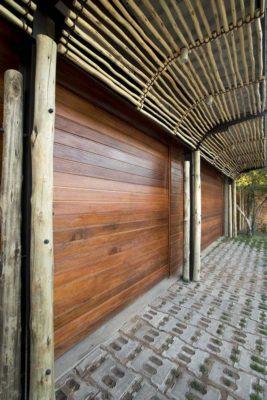 Longue allée en pavé - House-Mouton par Earthworld Architects - Pretoria, Afrique du Sud