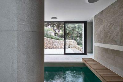 Mini cour d'eau intérieur - Contemporary-Villa par A2CM - Ceschia Mentil - France