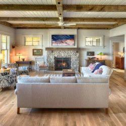 Mini séjour-salon & cheminée en pierres - Green-Fern par RemWhirl Architecture - USA