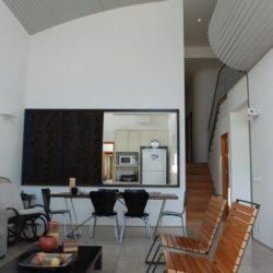Pièce de vie - Marina House par Joao Diniz Lagoa Santa, Brésil