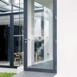 Porte vitrée entrée - chokchai-4-house par Archimontage Design - Bangkok, Thailande