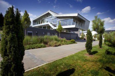 Route principale accès - High-Tech-Modern-Home par Eppler Buhler, Allemagne