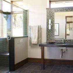 Salle de bains ultra moderne - Home-Aspen par KH Webb - Colorado, Etats-Unis