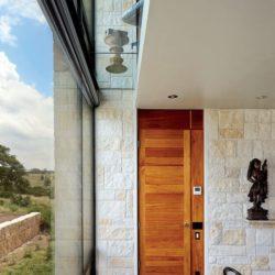 Salle séjour & grande baie vitrée - Glass-House par Jim Gewinner Texas, USA