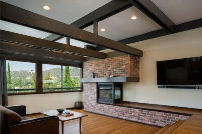 Salon & écran TV - Lopez-House par Martin Fenlon - Los Angeles, USA