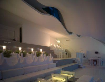 Salon & mini jardin intérieur - Casa-del-Ancantilado par Gilbartolome Architects - Salobrena, Espagne