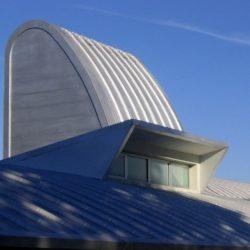 Toiture arrondie & ouverture vitrée - Marina House par Joao Diniz Lagoa Santa, Brésil