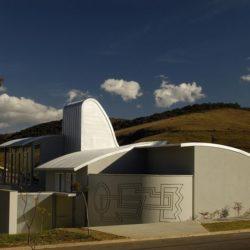 Vue d'ensemble - Marina House par Joao Diniz Lagoa Santa, Brésil