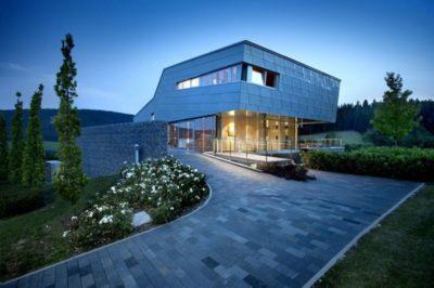 Vue d'ensemble nuit - High-Tech-Modern-Home par Eppler Buhler, Allemagne
