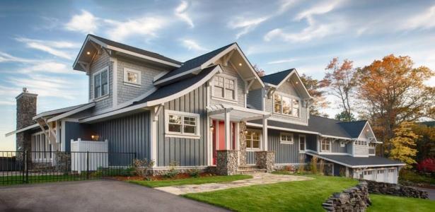 coquette maison en bois avec un magnifique jardin aux usa construire tendance. Black Bedroom Furniture Sets. Home Design Ideas