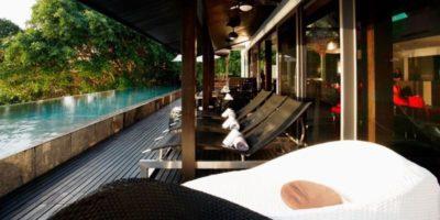 Bain de soleil & vaste piscine - Villa-Yin - iles Adaman