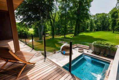 Balcon & vue piscine-jardin  - Cunius Residence par Paul Macht - Etats-Unis