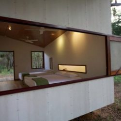 Chambre & grande ouverture - Drew-House par Anthill Constructions - Queensland, Australie