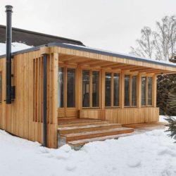 Cheminée extérieur extension bois - House-Tarusa par Project905 - Tarusa, Russie