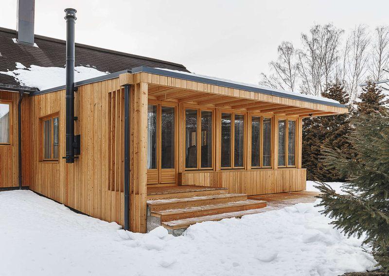 chemin e ext rieur extension bois house tarusa par project905 tarusa russie construire. Black Bedroom Furniture Sets. Home Design Ideas