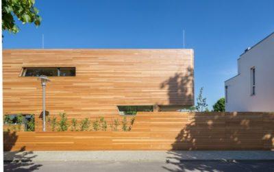 Clôture en bois - Holistic-Living par Graft - Berlin, Allemagne