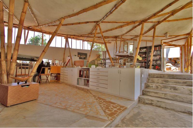 Espace bureau intérieur & bibliothèque - Bamboo-Symphony par Manasaram Architects - Bangalore, Inde
