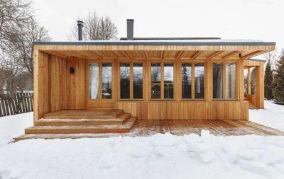 Façade bois terrasse - House-Tarusa par Project905 - Tarusa, Russie