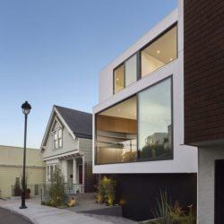 Façade entrée - Laidley-Street-Residence par Michael Hennessey - San Francisco, USA