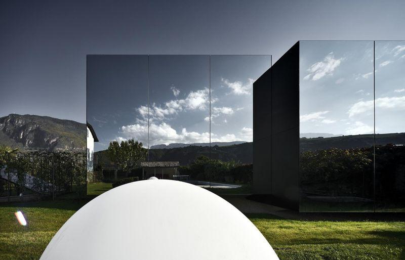 La Maison Du Miroir etonnantes maisons miroirs pour des vacances de luxe en italie