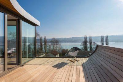 Façade terrasse bois - Flexhouse par Evolution Design - Meilen, Suisse