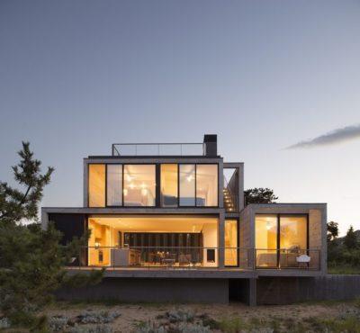 Façade vitrée illuminée - Amagansett-Dunes par Bates Masi - Amagansett, USA