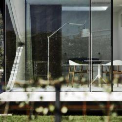 Façade vitrée salon coulissante - Mirror-Houses par Peter Pichler - Bolzano, Italie
