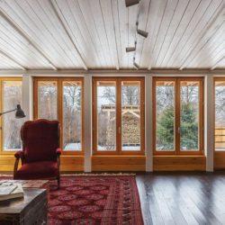 Granes ouvertures vitrées salon - House-Tarusa par Project905 - Tarusa, Russie