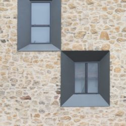 Ouvertures vitrées - Peraleda-House par Losada García - Peraleda de la Mata, Espagne