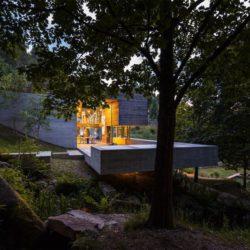Paysage cours d'eau & arbres - Geres-House par Carvalho Araujo - Vieira do Minho, Portugal