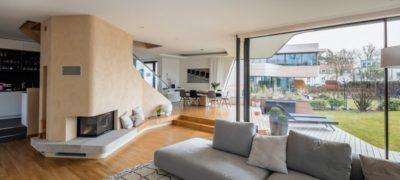 Pièce de vie & grande baie vitrée - Holistic-Living par Graft - Berlin, Allemagne