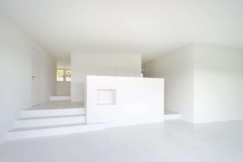 Pièce vide blanche - House-Lendenmann par L3P Architekten - Regensberg, Suisse