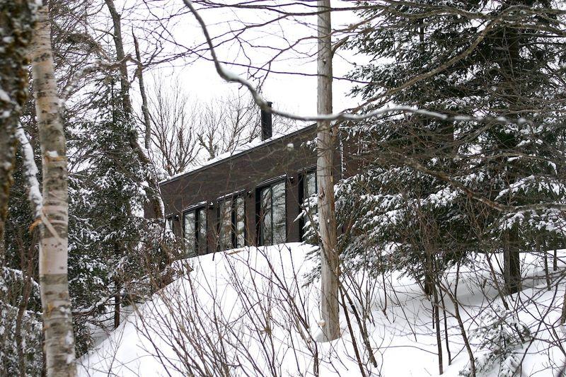 Vid o une retraite qu b coise aux allures de maison bois for Construire une maison de retraite