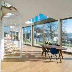 Salle séjour é grande baie vitrée - Flexhouse par Evolution Design - Meilen, Suisse