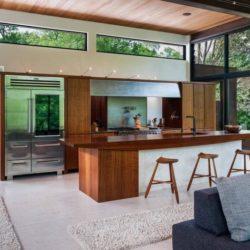 Salon & cuisine étage supérieur - Cunius Residence par Paul Macht - Etats-Unis